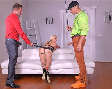 Hipster Double Penetration - Subby Fucked in Th...