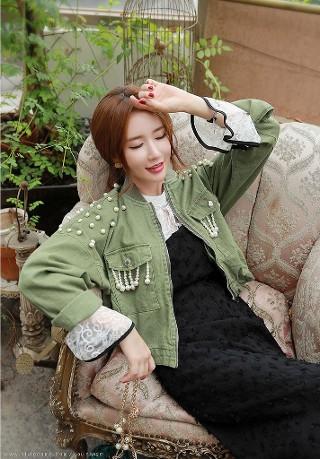 lee-yeon-jeong-25-2019-03-14