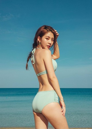 Lee Chae Eun - Beachwear - 08/12/18