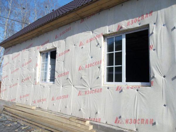 Изображение - Утепляем каркасный дом минеральной ватой изнутри и снаружи proxy?url=http%3A%2F%2Fexpert-dacha.pro%2Fwp-content%2Fuploads%2F2017%2F03%2Fprimer-ispolzovaniya-paroizolyatsionnoy-membrany_600x450