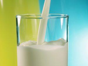 Изображение - Выдача молока за вредные условия труда в 2019 году proxy?url=http%3A%2F%2Flgoty-vsem.ru%2Fwp-content%2Fuploads%2F2017%2F02%2FMoloko-300x224