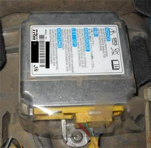 Изображение - Ремонт блока airbag своими руками proxy?url=http%3A%2F%2Fodometr.ru%2Fimages%2Fairbag_srs_rep2