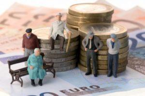 Изображение - Будет ли отмена пенсий работающим пенсионерам в 2019-2020 году proxy?url=http%3A%2F%2Fpensiaexpert.ru%2Fwp-content%2Fuploads%2F2018%2F11%2Fkakie-izmeneniya-budut-v-novom-zakone-o-pensiyax-s-1-yanvarya-2019-goda-dlya-rabotayushhix-pensionerov-300x199