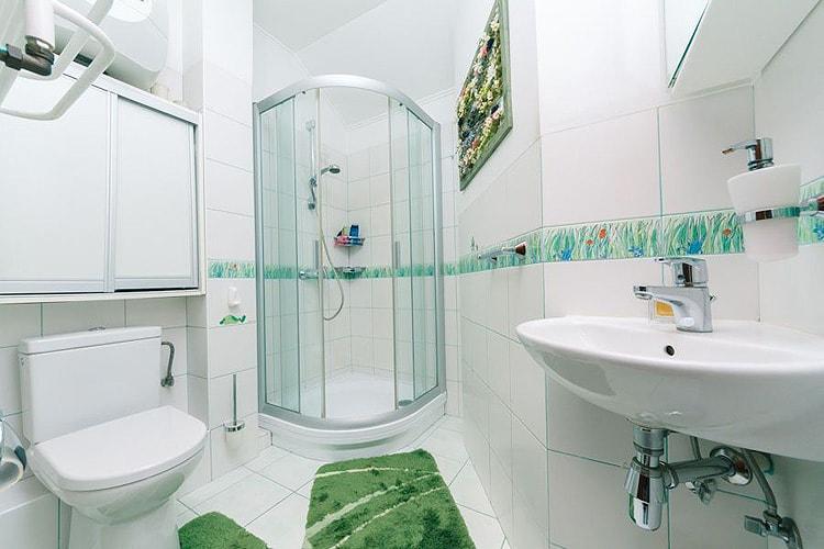 Изображение - Отделка стен в ванной комнате самые интересные решения proxy?url=http%3A%2F%2Fstroyka-gid.ru%2Fwp-content%2Fuploads%2F2016%2F03%2FOtdelka-sten-v-vannoy-kafelnoy-plitkoy-1