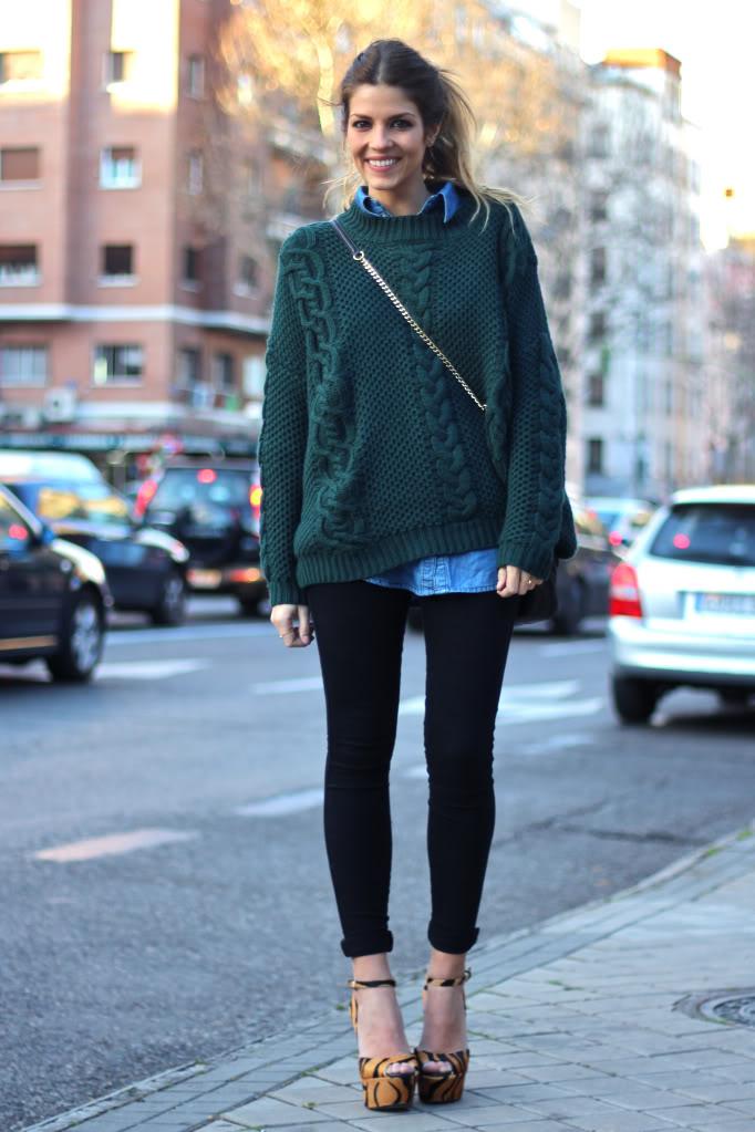 Изображение - Как выбрать свитер под рубашку proxy?url=http%3A%2F%2Fwww.shoppingschool.ru%2Fnetcat_files%2Fuserfiles%2FArticles%2F2015%2FRubashka_switer%2Foutfit_street_style_big_fuzz_mohair_sweater_2