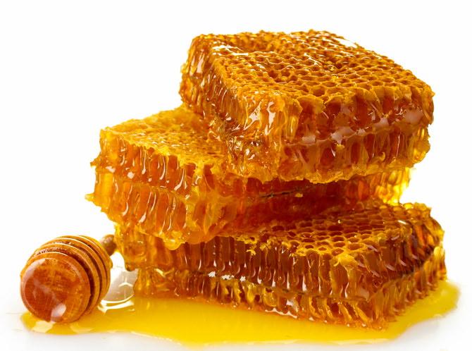 Изображение - Можно ли мед есть с воском proxy?url=https%3A%2F%2Fbehoneybee.ru%2Fwp-content%2Fuploads%2F2017%2F12%2FMozhno-li-est-med-v-sotah