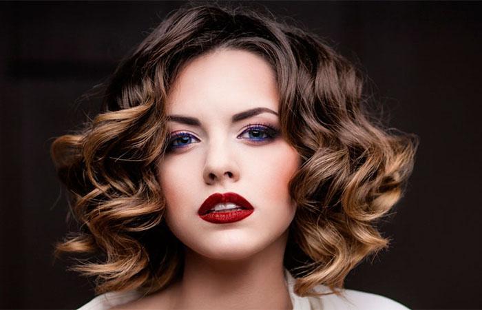 Изображение - Как накрутить волосы утюжком на короткие волосы proxy?url=https%3A%2F%2Fexpertpovolosam.com%2Fsites%2Fdefault%2Ffiles%2Fstyles%2Flarge%2Fpublic%2Fimages%2F407-2083