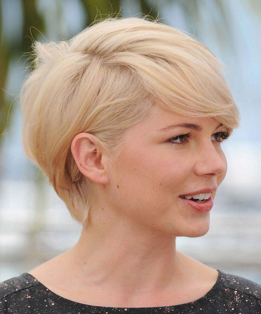 Изображение - Стрижки для тонких волос вьющихся волос proxy?url=https%3A%2F%2Ffashionapp.ru%2Fwp-content%2Fuploads%2F2016%2F08%2Fstrizhki-dlya-tonkix-volos-17-852x1024