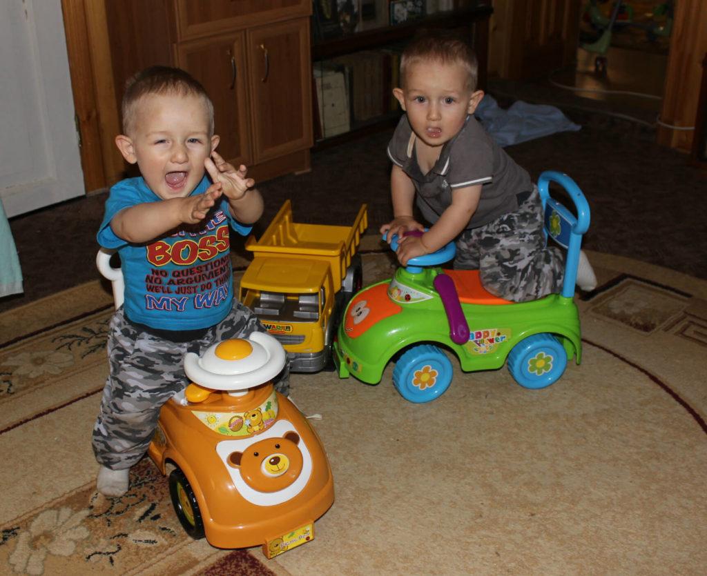 Изображение - Что подарить дяде близнецам на праздник proxy?url=https%3A%2F%2Fgemelos-feliz.ru%2Fwp-content%2Fuploads%2F2017%2F09%2Fmoi-bliznecy-1024x835