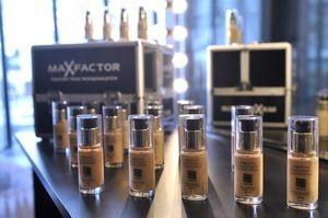 Изображение - Крем тональный для лица max factor proxy?url=https%3A%2F%2Fladyup.online%2Fwp-content%2Fuploads%2F2013%2F07%2FKonferencja-Max-Factor_1-300x199