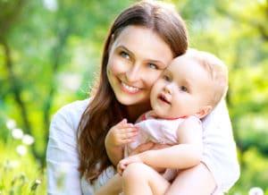 Изображение - Льготы матери-одиночке, имеющей одного ребенка, двух детей при поступлении в детский сад в 2019 году proxy?url=https%3A%2F%2Fposobie.net%2Fwp-content%2Fuploads%2F2018%2F01%2Fmat_s_rebenkom_4_02140140-300x218