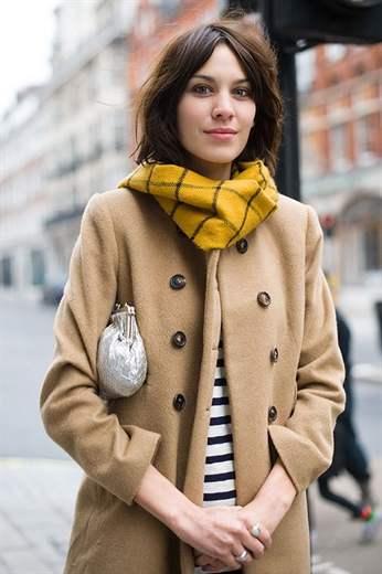 Изображение - Как выбрать платок к пальто proxy?url=https%3A%2F%2Fpromodu.com%2Fwp-content%2Fuploads%2F2018%2F06%2F03-43