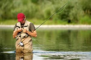 Изображение - Куртка для рыбалки водонепроницаемая ветрозащитная как выбрать proxy?url=https%3A%2F%2Fprostokaras.com%2Fwp-content%2Fuploads%2F2015%2F11%2FLetnij-kostjum-dlja-rybalki-%25D1%25812-300x200