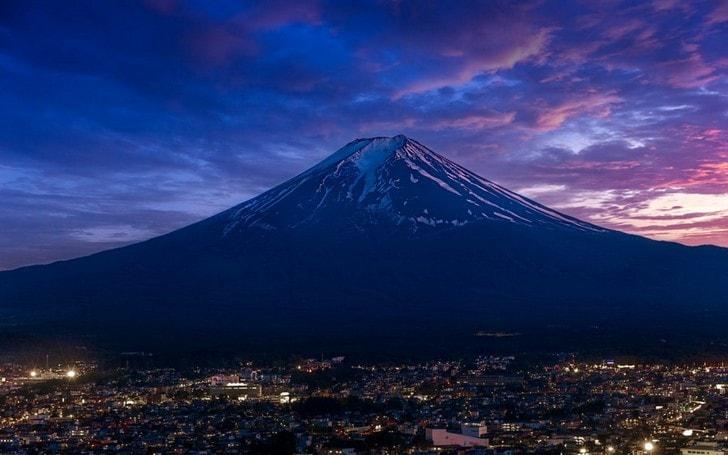 Изображение - Какие достопримечательности есть в японии proxy?url=https%3A%2F%2Ftop10.travel%2Fwp-content%2Fuploads%2F2016%2F05%2Ffudziiama