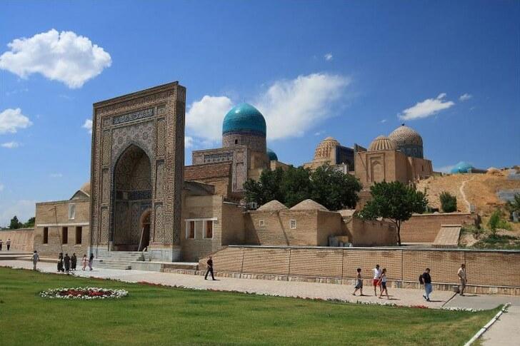 Изображение - Узбекистан достопримечательности proxy?url=https%3A%2F%2Ftop10.travel%2Fwp-content%2Fuploads%2F2016%2F06%2Fshahi-zinda