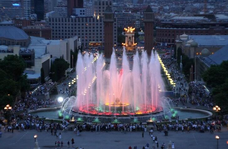 Изображение - Барселона главные достопримечательности proxy?url=https%3A%2F%2Ftop10.travel%2Fwp-content%2Fuploads%2F2016%2F10%2Ffontan-montjuic