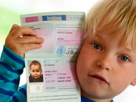 Изображение - Правила оформления загранпаспорта ребенку до 14 лет куда обратиться и какие собрать документы proxy?url=https%3A%2F%2Fvisasam.ru%2Fwp-content%2Fuploads%2F2016%2F08%2F1403127801_61086346-450x338