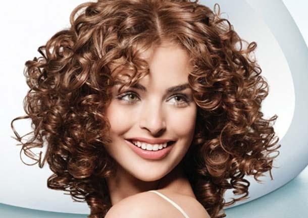 Изображение - Волосы крупная химия на длинные волосы proxy?url=https%3A%2F%2Fvolosylady.ru%2Fwp-content%2Fuploads%2F2016%2F11%2Fmokraya-himicheskaya-zavivka