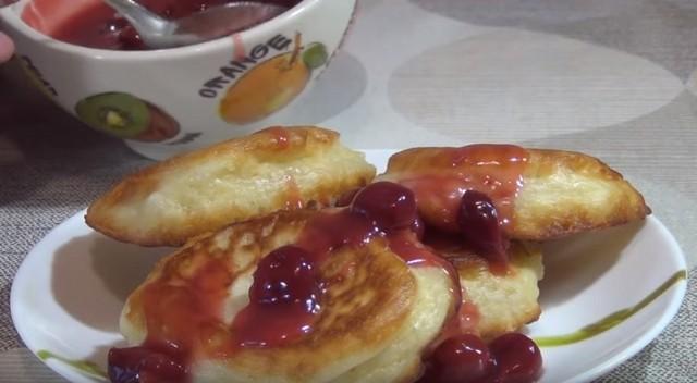 простой рецепт пышных оладьев на кефире