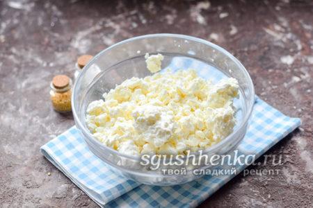 рецепт сырников с манкой и творогом на сковороде